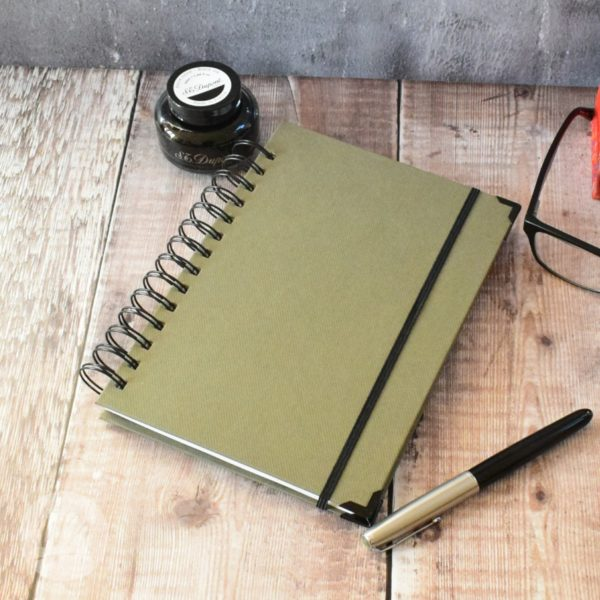 Futura Leggero Planner - Hard backed 2020 year lightweight planner for business